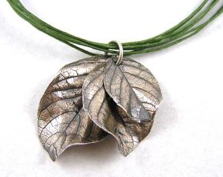 triplet leaves